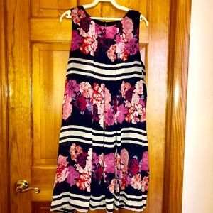 NWOT Vince Camuto Floral Print Chiffon Overlay